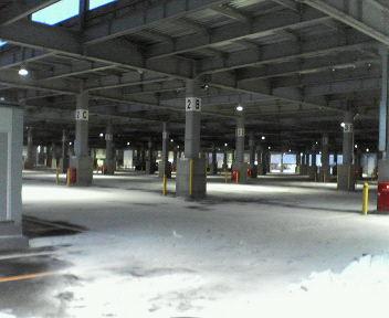 センターヤード駐車場