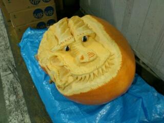 ハロウィンかぼちゃ、竜の彫刻